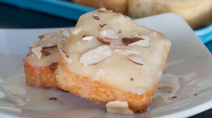 Easy & Delicious Mini Almond Cakes