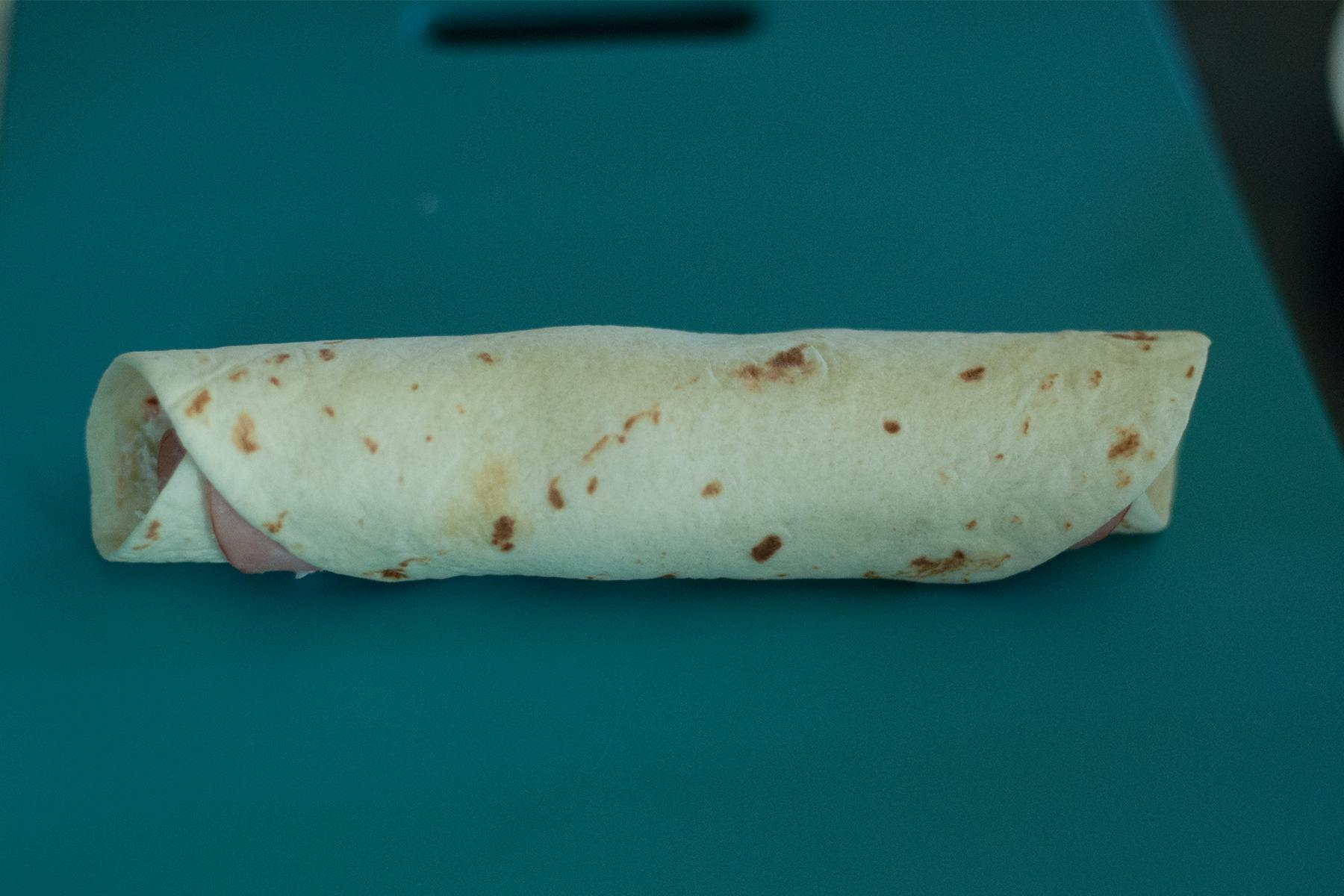 olive and ham tortilla rollups