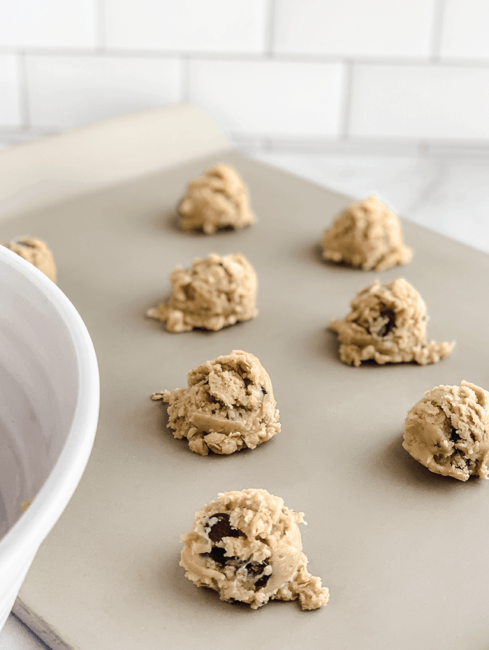 One-Cup-Chocolate-Chip-Cookies-Ceramic-Baking-Sheet