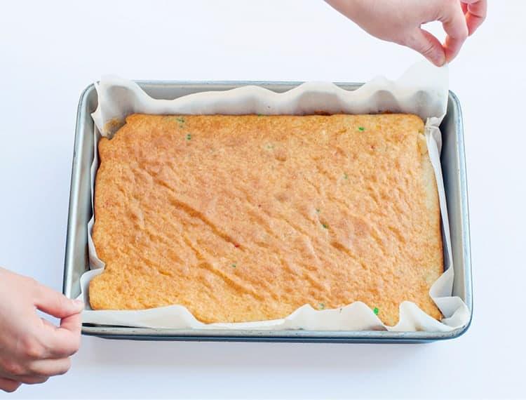 Learn the basics of making cake pops - bake cake